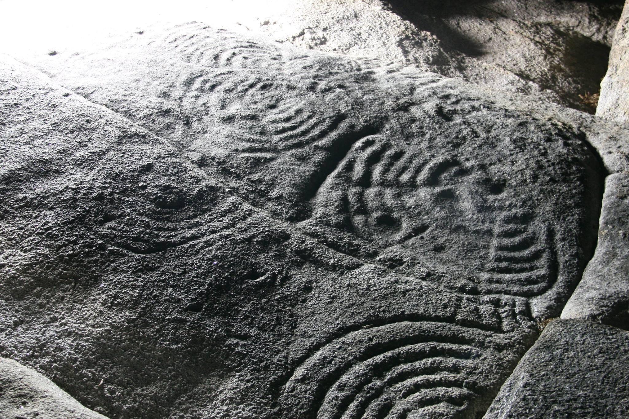 Petroglifos no xacemento da Cabeciña / Prehistoric rock art on A Cabeciña site